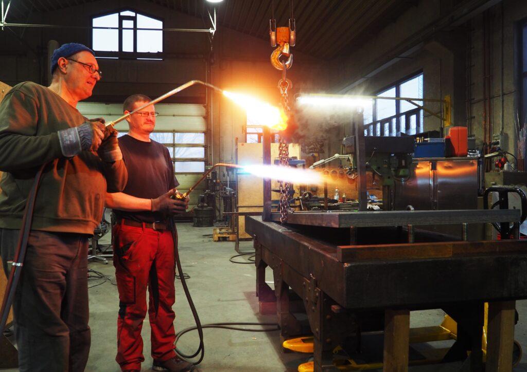 Rudolf Bott in workshop for plus quam